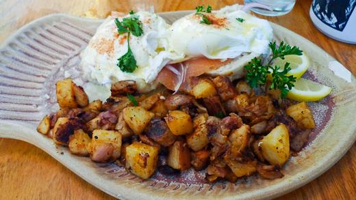 2Cats Salmon Eggs Benedict